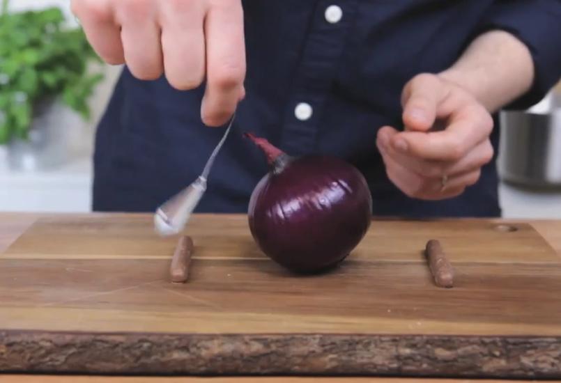Uien snijden met Jamie Oliver