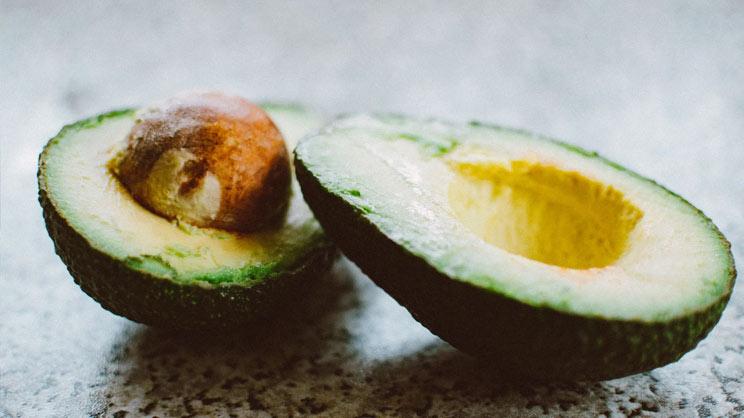 Avocado en pit